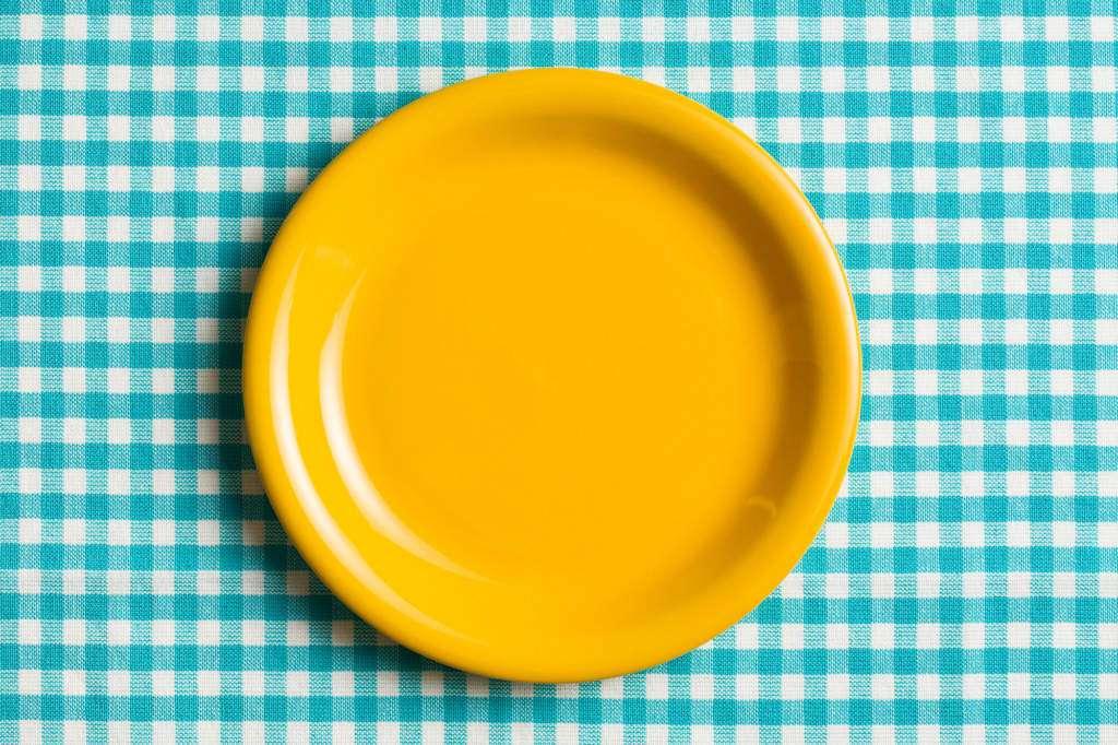 żółty-pusty-talerz.jpg