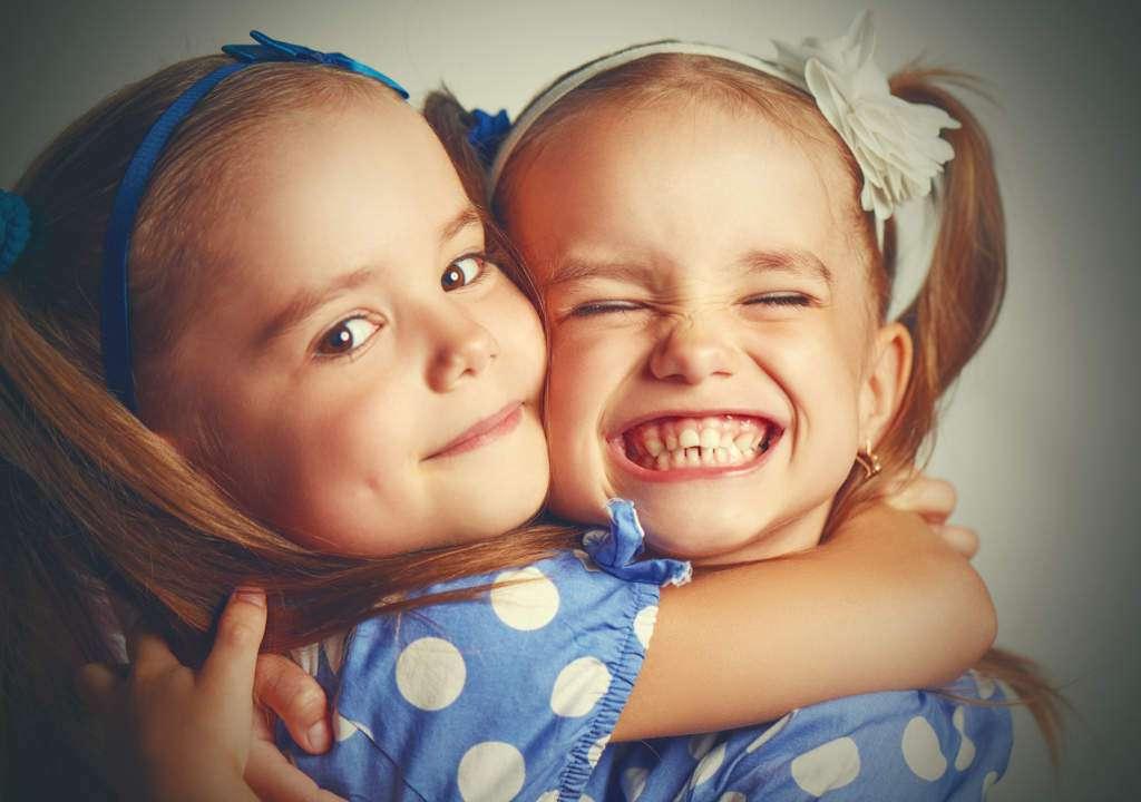 atrakcyjność-interpersonalna-przyjaźń.jpg