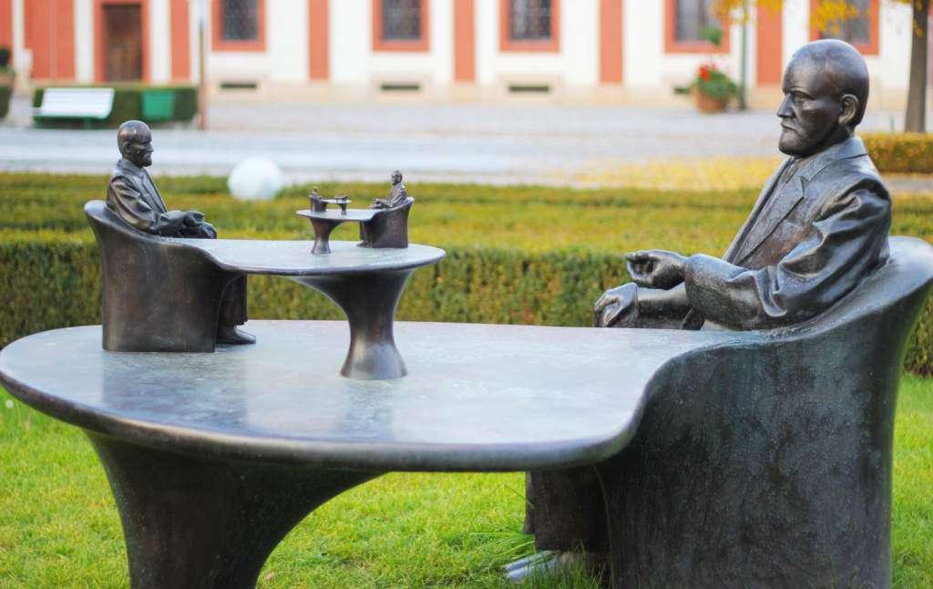 Zygmunt-Freud-ego-praga-pomnik.jpg