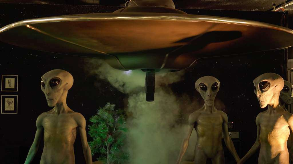 szaraki-ufo-statek-kosmiczny.jpg