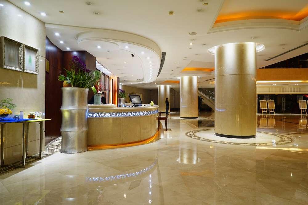 hotel-pięciogwiazdkowy-lobby.jpg