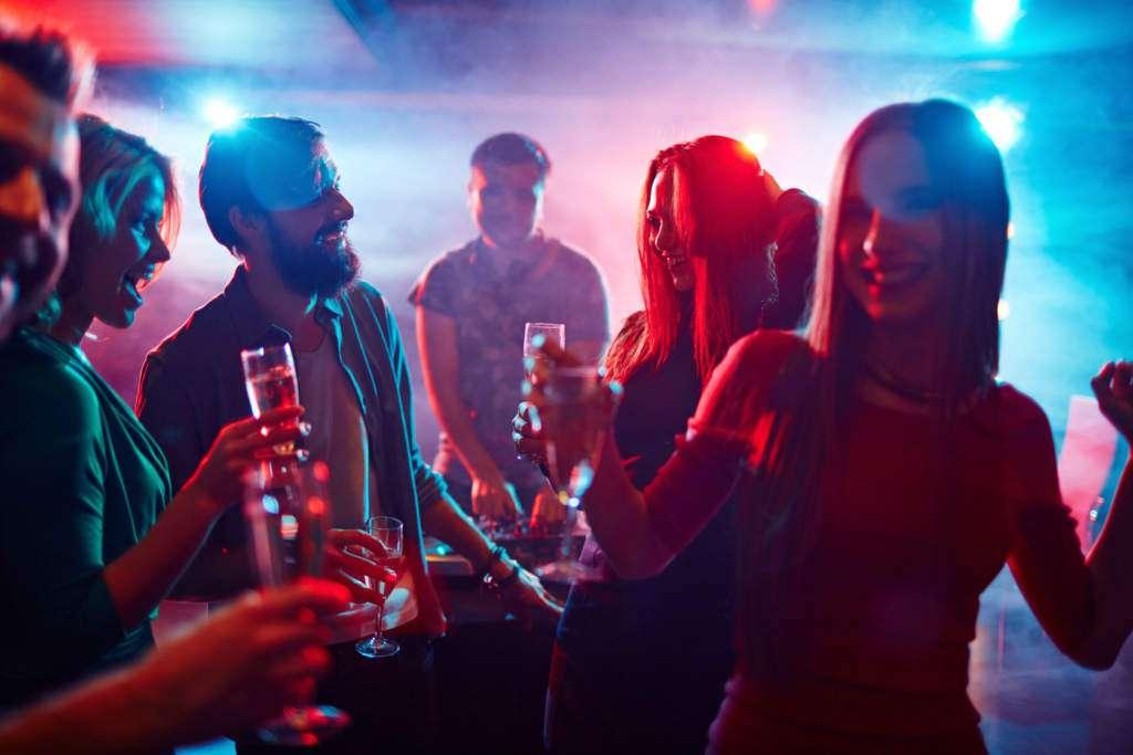 klub-impreza-alkohol.jpg