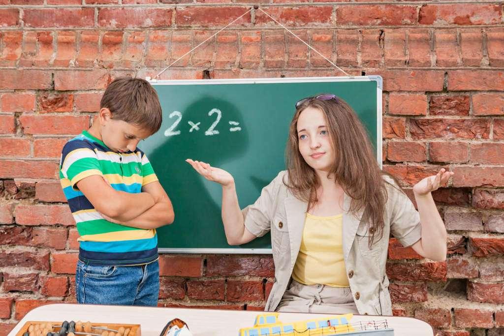 wstyd-dziecko-szkoła-uczeń.jpg