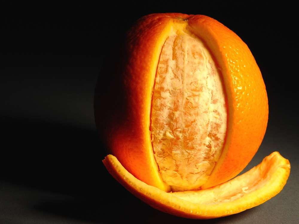 skórka-pomaraczy-naturalne-wybielenie-zębów.jpg
