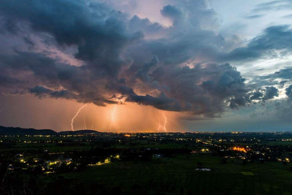 pioruny-burza.jpg