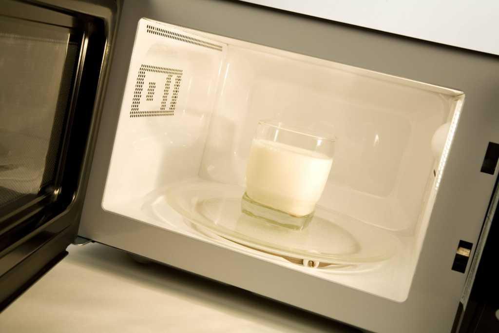 kuchenka-mikrofalowa-mleko.jpg