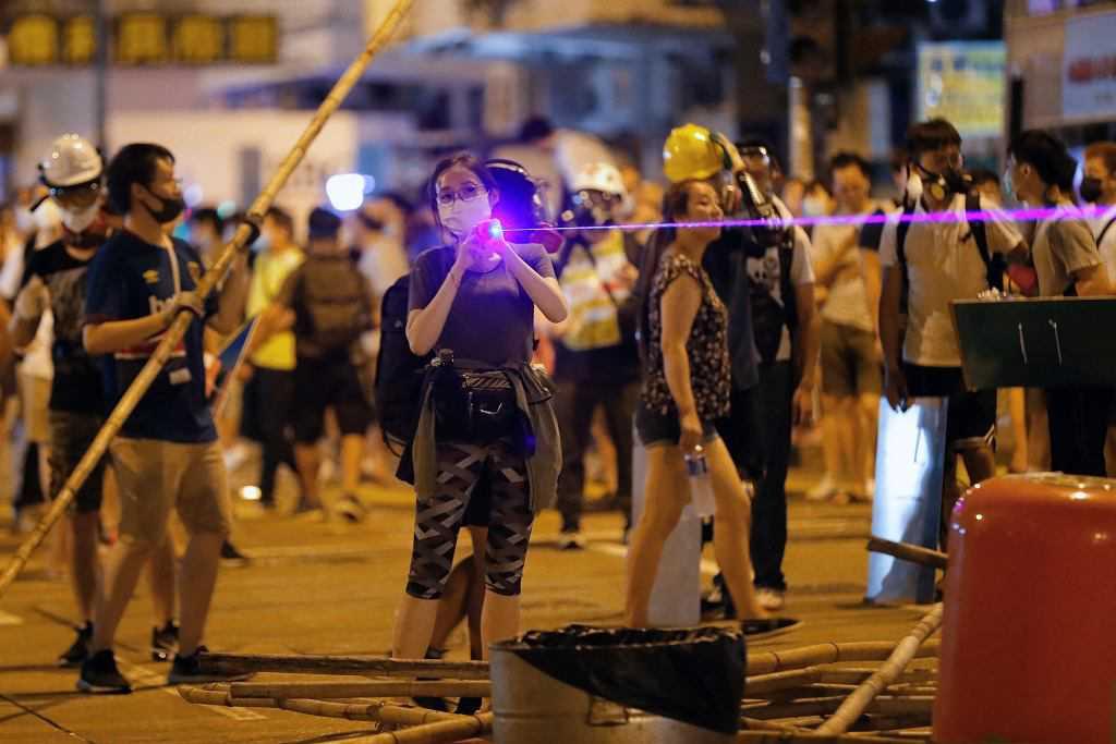 protesty-laser.jpg