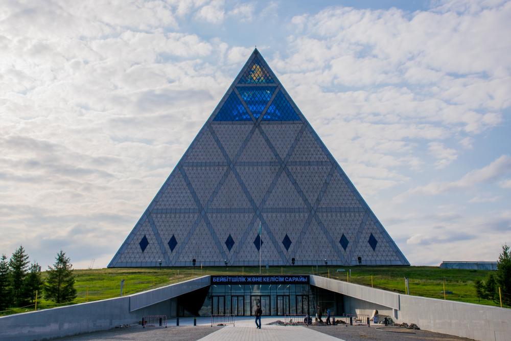 piramida-astana.jpg