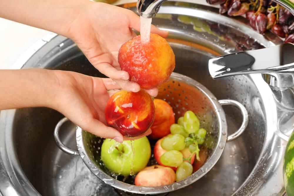 mycie-owoców.jpg