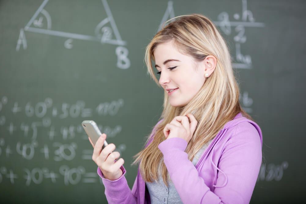 smartfon-szkoła.jpg