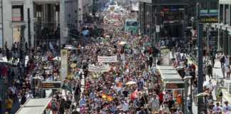 protesty-antycovidowe.jpg