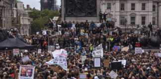 londyńczycy-protest.jpg