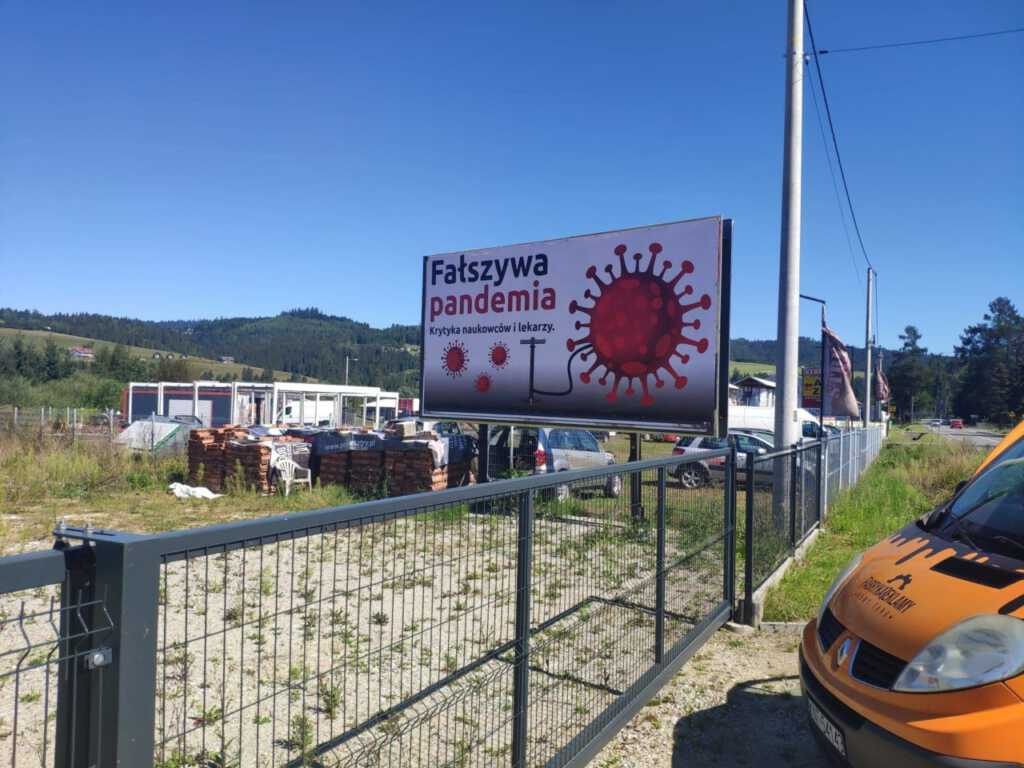 billboard-fałszywa-pandemia.jpg
